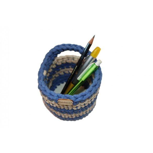 Horgolt tolltartó - kék, bézs csíkos