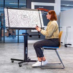 Szeptemberi különleges ajánlat: GraphicWally® grafikai tábla Liftboy állvánnyal egyben